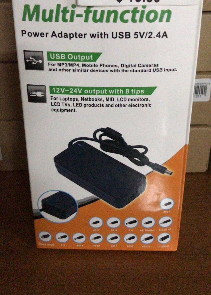Universal power adapter con USB 5V 2.4A